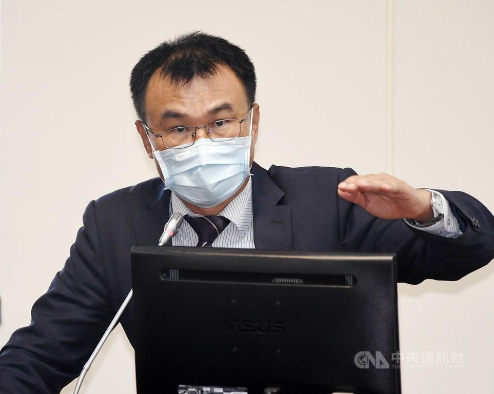 COA head Chen Chi-chung reports at a legislative hearing on Monday. CNA photo Sept. 27, 2021