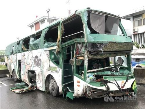 Aloha Bus driver indicted after fatal freeway crash