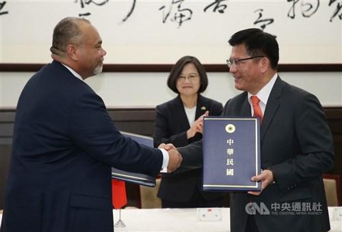 Taiwan, Nauru sign aviation services agreement in Taipei