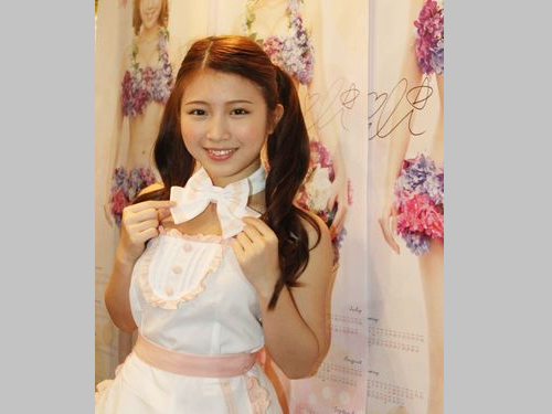 台湾フライドチキン美少女のイリィ、日本で3枚目の水着DVD