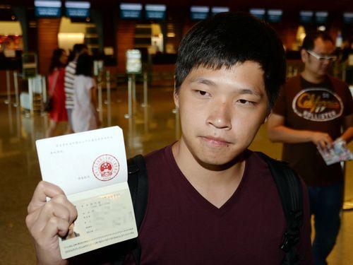 台湾学生運動リーダー、香港の大規模デモにエール
