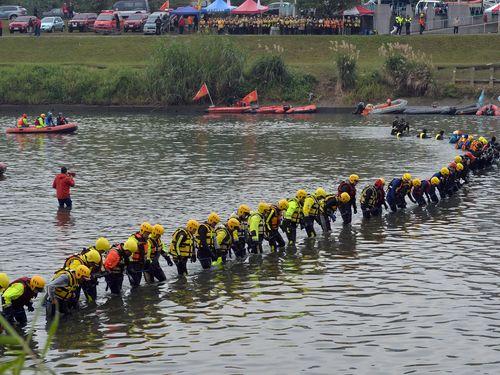 台湾機墜落  死者40人に  依然3人が不明