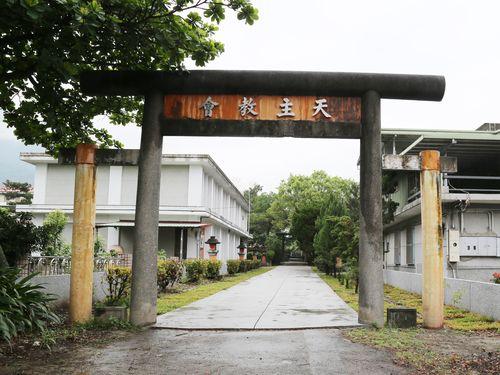 教会になった日本統治時代の神社跡  今なお残る鳥居や狛犬/台湾