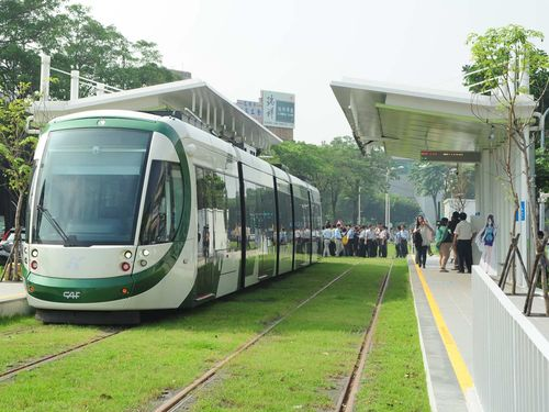<高雄ライトレール>あすプレ開業  日本旅行が当たるチャンスも/台湾