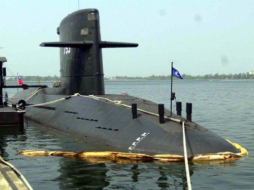 オランダから購入し1988年に就役した潜水艦「海虎」