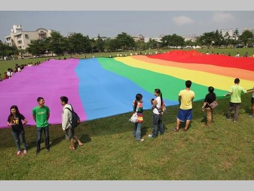 台湾・台南市、同性パートナー登録制度導入へ  証明書も発行の方針