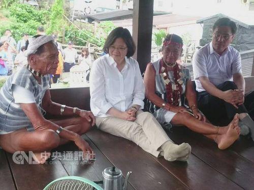 放射性廃棄物貯蔵施設めぐり住民と対話  蔡総統が蘭嶼訪問/台湾