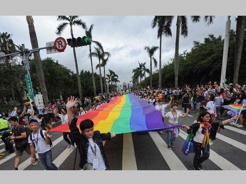 蔡総統もエール  台北でアジア最大規模のLGBTパレード/台湾