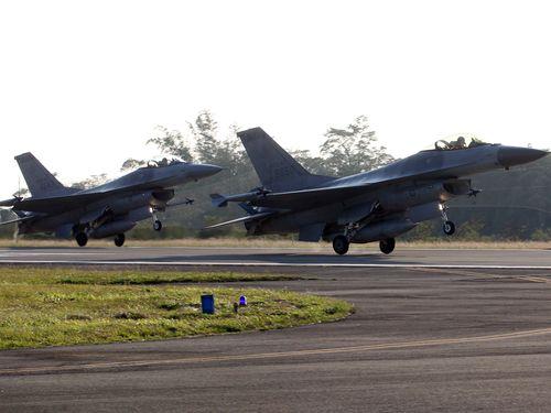 台湾、来年1月にF16戦闘機の改修開始  2023年に完了予定
