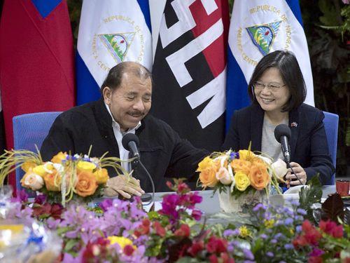 左からオルテガ大統領、蔡英文総統=総統府提供