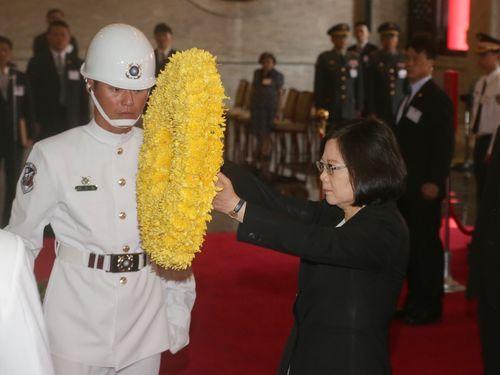 抗日戦勝記念日が由来の「軍人の日」  蔡総統、忠烈祠の慰霊祭に出席/台湾