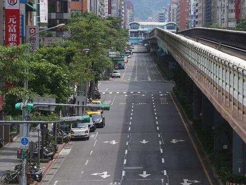 防空演習中、静まり返る台北市内=資料写真
