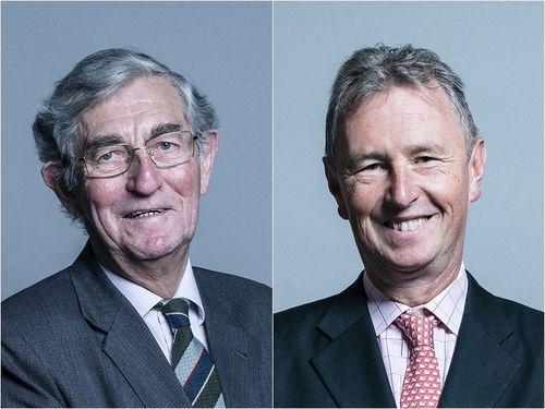 台中で開催予定だった東アジアユース大会の復活を支持する英国のデニス・ローガン上院副議長(左)とナイジェル・エバンス下院議員=ウィキメディア・コモンズより
