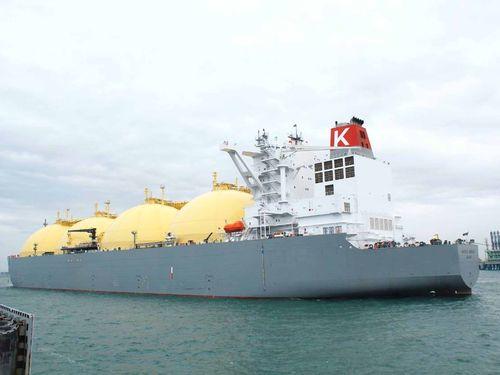 高雄に到着するLNG船「パシフィック・ブリーズ」=台湾中油提供