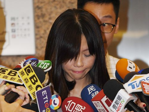 離党を発表した洪慈庸立法委員