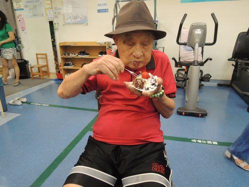 日中戦争に身を投じ、105歳の誕生日を迎える元軍人の周懐春さん