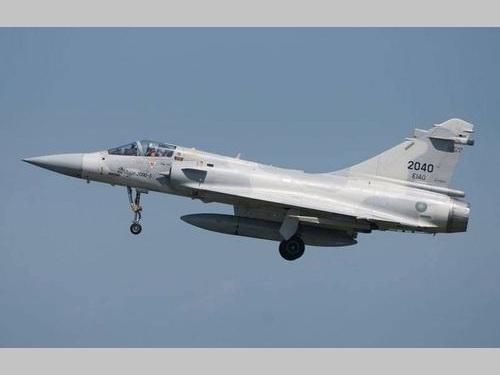 不明の空軍戦闘機=国防部提供