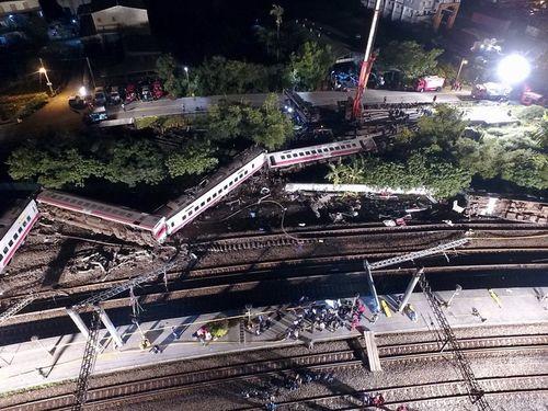 特急プユマ号の脱線事故現場=2018年10月21日、宜蘭県