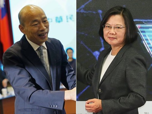 韓高雄市長(左)と蔡総統
