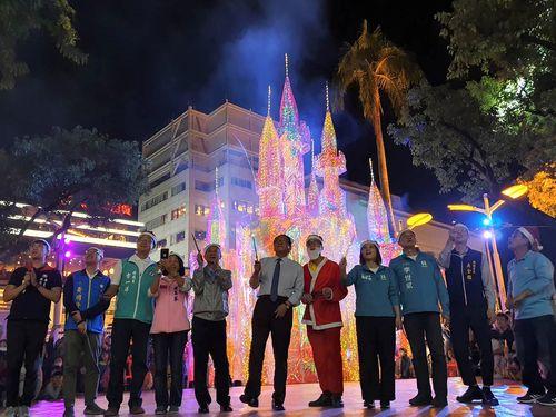 屏東公園内のクリスマスイルミネーション