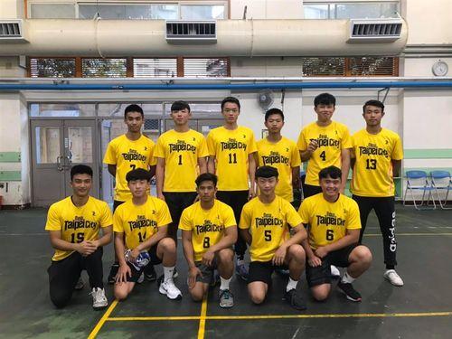 チュックボールの国際大会に出場した台湾の代表選手ら=方慎思さんのフェイスブックから