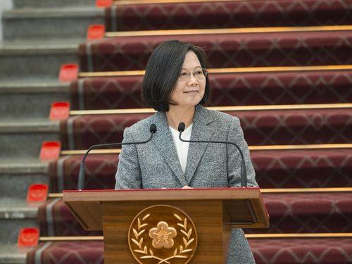 総統府で談話を発表する蔡英文総統=総統府提供