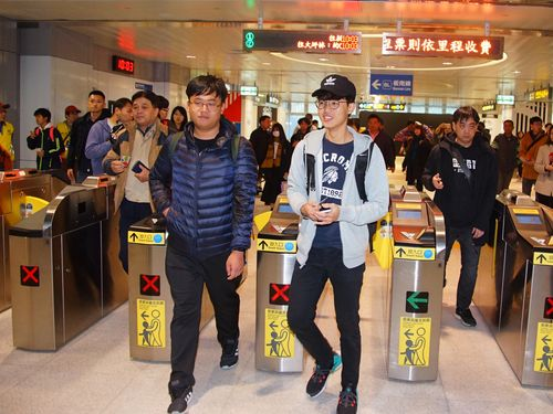 台北メトロ環状線、試乗初日に約5万5000人が乗車