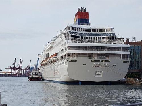クルーズ船「スーパースター・アクエリアス」。今月4日に北部・基隆港を出港し、那覇に立ち寄った後、7日午後に基隆港に戻る予定。乗客1738人のうち1709人が台湾人だという
