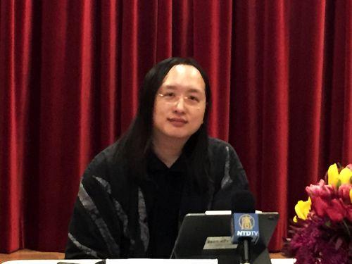 米ワシントンの中国語メディアと交流する唐鳳氏