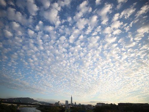 台湾、各地で晴れ 最高気温28度以上