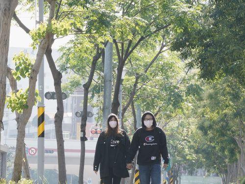 台湾北部は13日朝、大陸からの寒気団の影響で冷え込み、平地の気温は10度前後まで下がった