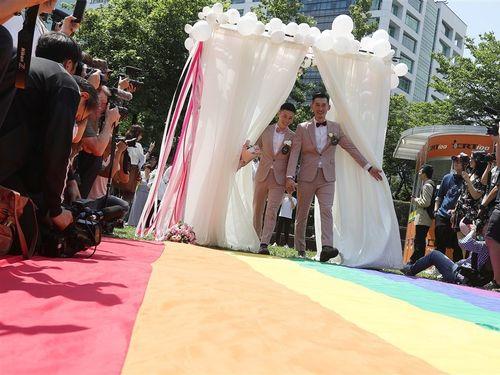台湾、17日で同性婚の容認法成立1周年