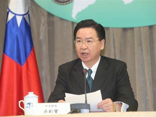 呉釗燮外交部長