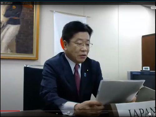 テレビ会議方式で行われたWHO総会で演説する加藤厚労相=WHOの公式YouTubeチャンネルから