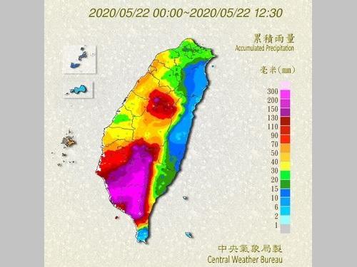 台湾各地の積算降水量を示す地図=中央気象局提供