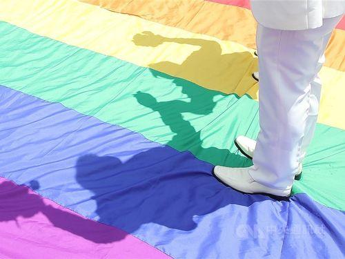 台湾、同性婚合法化からもうすぐ1年 4021組が婚姻届提出