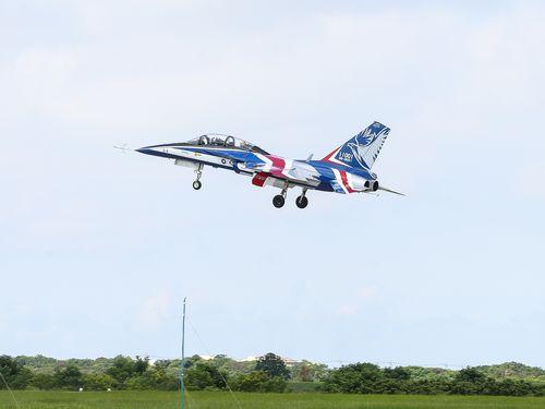 台湾自主開発の新型練習機「勇鷹」が初飛行