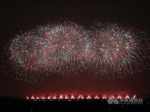 国慶節の花火、今年は台南で=資料写真