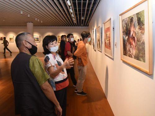 水彩画展「水彩・武林」会場の一角=文化部提供