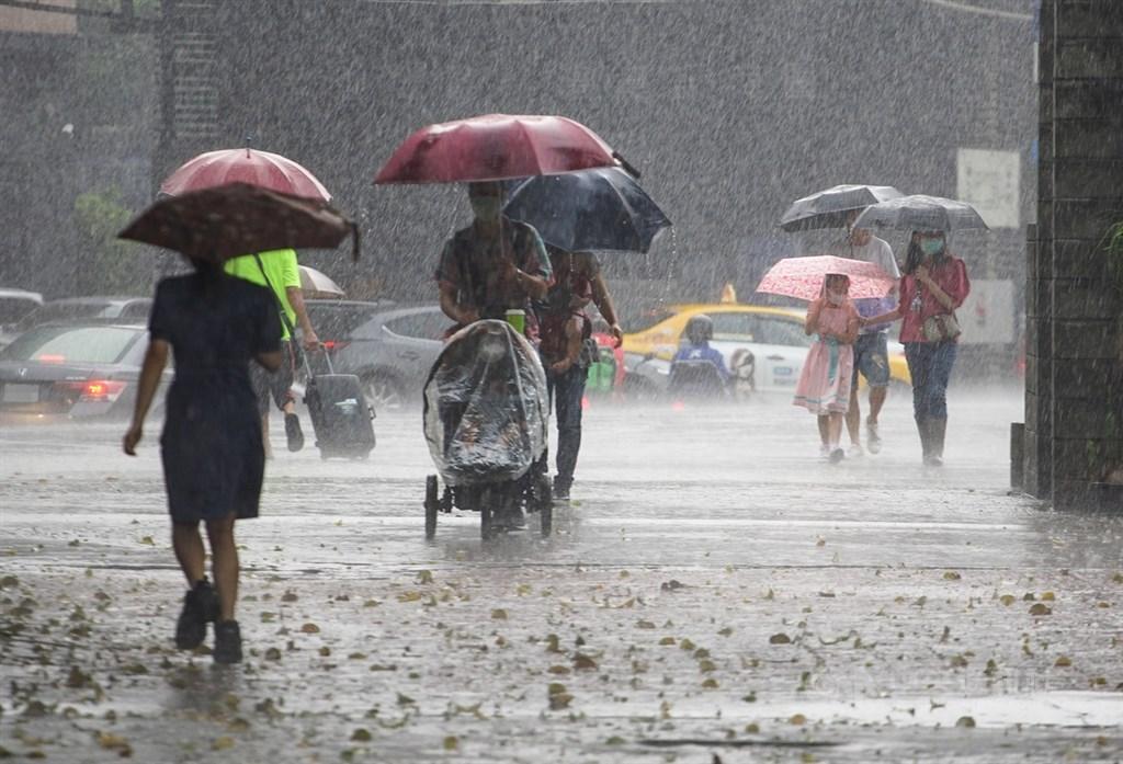 台湾、22県市中17県市に大雨特報 午後、対流雲が発達=資料写真