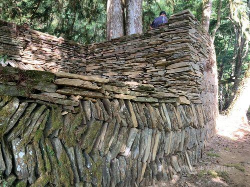 修復された十三里駐在所の石垣=花蓮県文化局提供