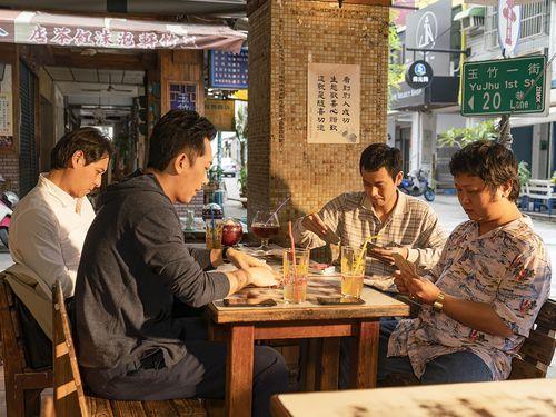 黄信堯監督の新作「同学麦娜絲」のワンシーン=金馬映画祭実行委員会提供