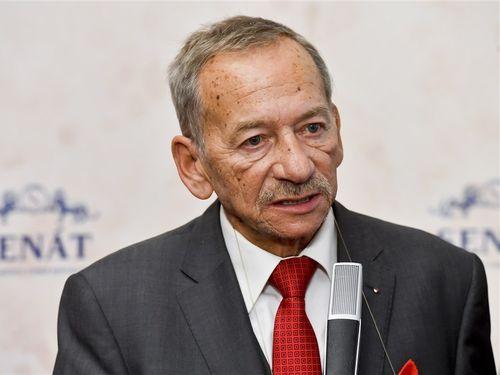 1月に急死したチェコのクベラ前上院議長=AP通信提供