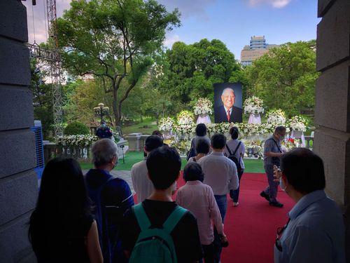 李登輝氏の追悼会場、一般開放終える 累計4万人超が弔問