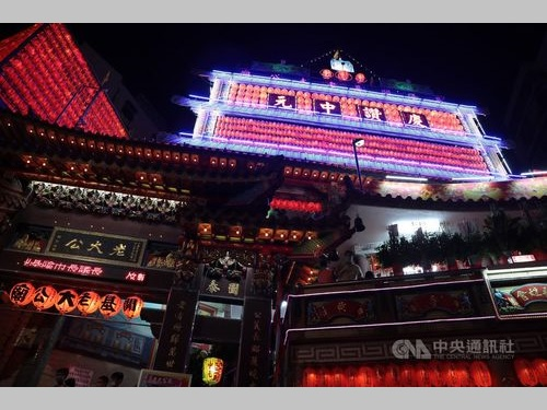 今日から「鬼月」 基隆で伝統行事、無縁仏まつる「陰廟」に明かり/台湾