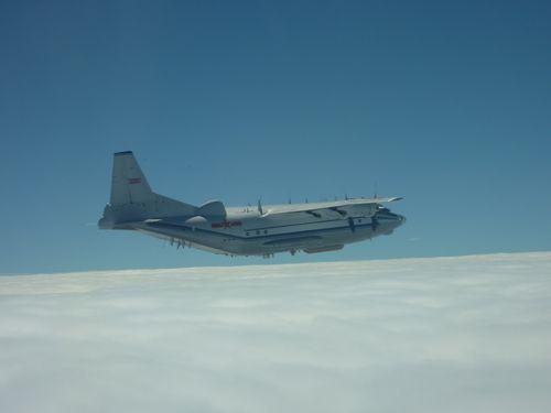 中国軍の輸送機Y8=資料写真、国防部提供