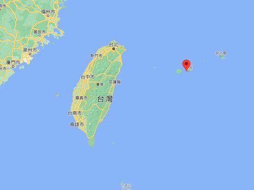 台湾島と竹富島(赤いピン)=グーグルマップから