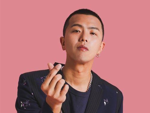 「小鬼」(シャオグェイ)の愛称で知られる歌手で俳優のエイリアン・ホアン(黄鴻升)さん=本人のフェイスブックから