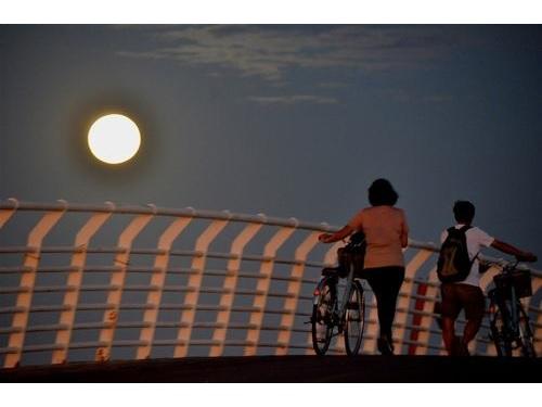 中秋の名月、広い範囲で楽しめる見通し=資料写真