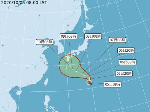 軽度台風(台湾基準)台風14号(中央気象局提供)